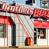 Brothers BBQ at Monaco & Leetsdale